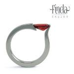 Tulipán gyűrű vörös gránáttal