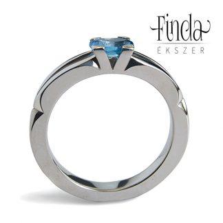 Velence nemesacél gyűrű kék topázzal