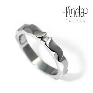 Mandala nemesacél gyűrű gyémánt briliánssal