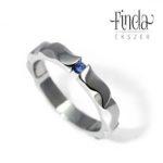 Mandala nemesacél gyűrű kék zafírral