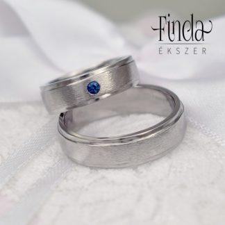 Dove nemesacél jegygyűrűpár kék zafírral