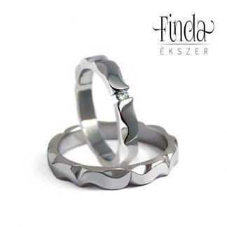 Mandala nemesacél jegygyűrűpár gyémánttal