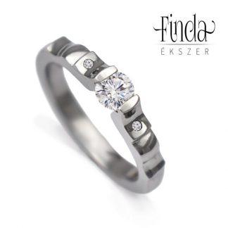 Angie nemesacél gyűrű fehér zafírral és gyémántokkal